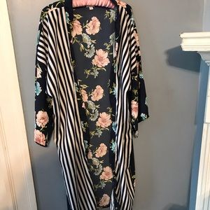 14th and Union Kimono Dark Navy Striped and Floral